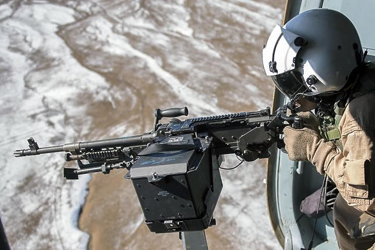 A legkorszerűbb fegyverekkel zajlik majd a gyakorlat (fotó: MTI)