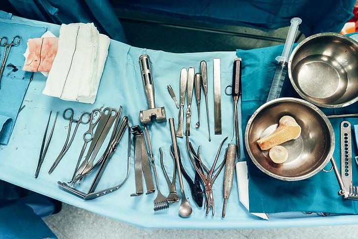 A kórházi beszállítók többsége még vár a pénzére. Fotó: depositphotos.com