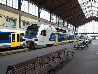 Újabb 8 motorvonatot vesz uniós pénzen a Máv