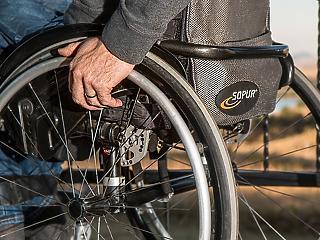 Alkotmánybíróság: jogellenesen vágták vissza a rokkantnyugdíjakat