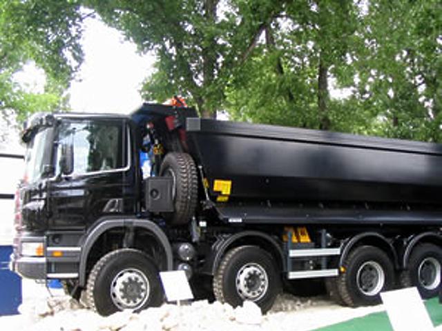 Scania P széria 8X6-os