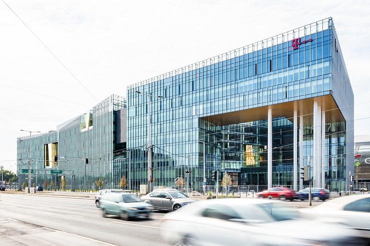 Ilyen lett a a Telekom új székháza