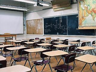 Az alternatív iskolákat megfojtó törvényt is elfogadta a parlament