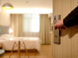 Közel 93 százalékkal csökkent vendégéjszakák száma decemberben