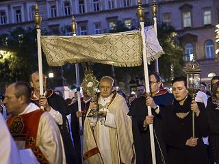 Ezeken a helyeken korlátozzák a forgalmat Budapesten a húsvéti körmenetek miatt