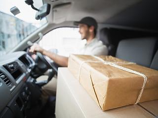 Csomagkézbesítők százai hiányoznak a Magyar Postánál