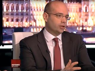 Nettó 5 milliárdért szondázza a sajtót 3 évig a kormányközeli médiafigyelő