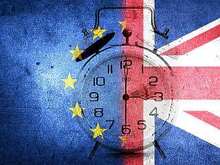 A britek holnap mégsem lépnek ki az Európai Unióból