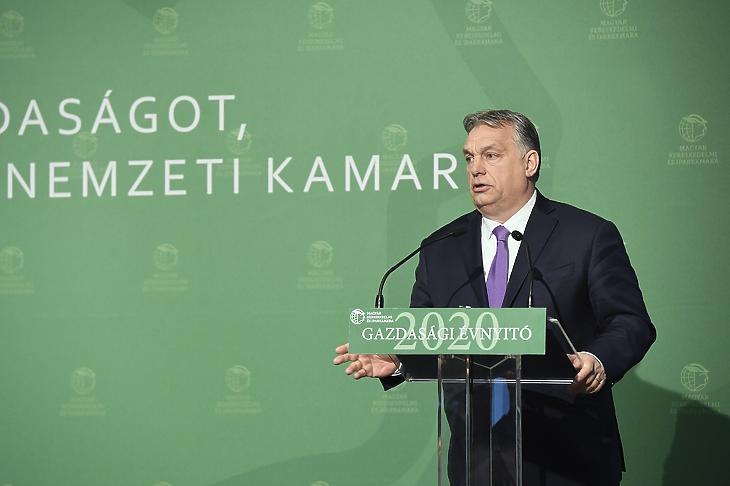 Orbán Viktor beszédet mond a Magyar Kereskedelmi és Iparkamara gazdasági évnyitóján az Intercontinental Budapest szállóban 2020. március 10-én. (MTI/Koszticsák Szilárd)