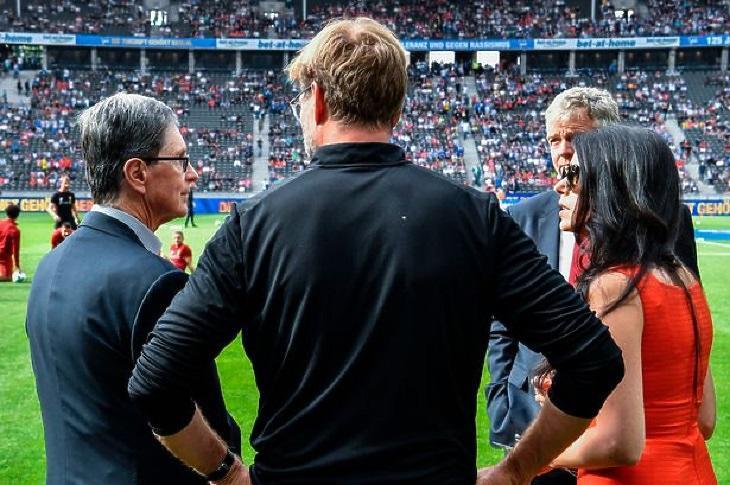 John W. Henry és Jürgen Klopp az Anfielden (Fotó: liverpoolfc.com)