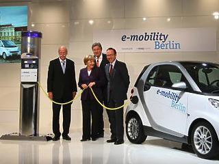 Adókedvezményt készít elő elektromos szolgálati autókra a német kormány