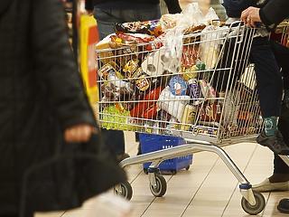 Itt a friss adat: a pánikvásárlások ellenére is megbillent a kiskereskedelem