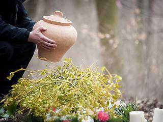 Tíz temetésből nyolc már hamvasztásos Budapesten