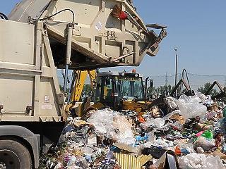 Kormány: a szemétügy politikai zsarolás, mi biztosítjuk a hulladék elszállítását