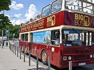 Lehet, hogy a BKV-hoz kerülnek a városnéző buszok