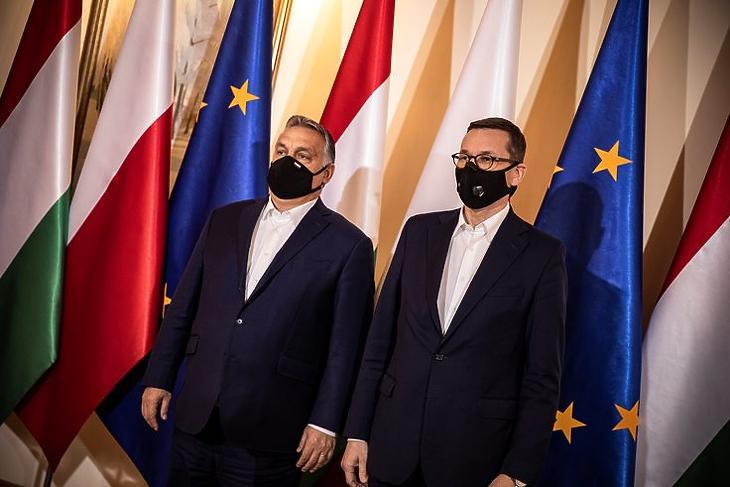 Marad a vétó: Orbán Viktor és Mateusz Morawiecki találkozója Varsóban 2020. november 30-án. MTI/Miniszterelnöki Sajtóiroda/Fischer Zoltán