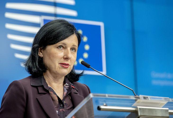 Vera Jourová értékekeért és átláthatóságért felelős uniós biztos (Fotó: Európai Tanács)