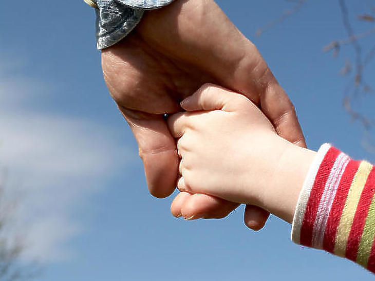 Sok pénzzel segítenék a gyerekvállalást