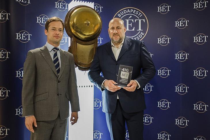 Jászai Gellért, a 4iG fő tulajdonosa és elnök-vezérigazgatója (jobbról) Végh Richárd BÉT-vezérigazgatóval