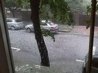 A vihar és felhőszakadás miatt közel 400 riasztás volt
