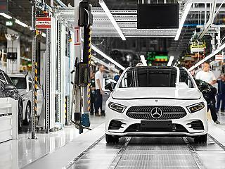Legördült a szalagról az egymilliomodik kecskeméti Mercedes