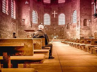 A templomok nem zárnak be