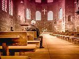Új infómorzsa a szigorításokról: a katolikus templomok nem zárnak be