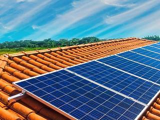 HÉTVÉGÉRE: Napelemprogram segíti az átlagos jövedelműeket novembertől