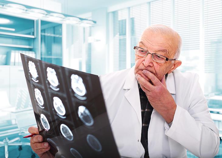 A háziorvosok több, mint fele 65 évnél idősebb. Fotó: depositphotos.com