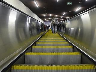 Felfüggesztik a metró akadálymentesítéséért indított aláírásgyűjtést