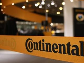 Csak úgy száguld a Continental