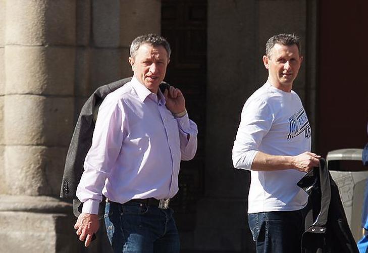 dr. Vörös József (balra) és Takács Mihály a Puskás Akadémia igazgatója (Fotó: pfla.hu)