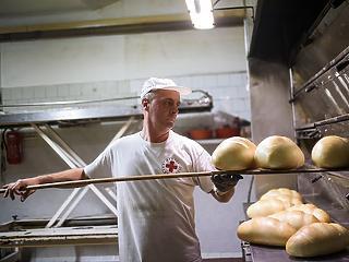 Versenyre készteti a nagy kiskereskedelmi láncokat a Lipóti pékség