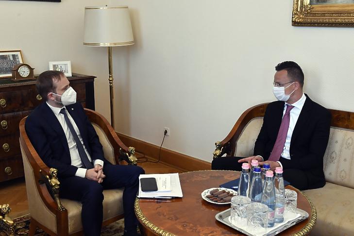 Szijjártó Péter külgazdasági és külügyminiszter hivatalában tárgyal Jakub Kulhánek cseh külügyminiszterrel (Fotó: MTI/Máthé Zoltán)