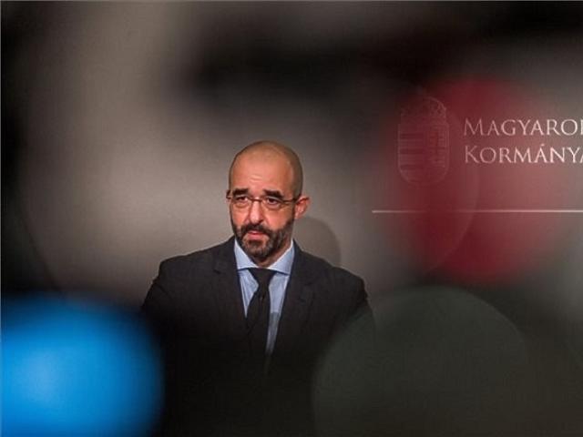 Kovács Zoltán kormányszóvivő egy Kormányinfón. (fotó: MTI)