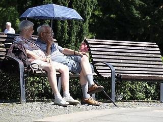 Nemcsak a nyugdíjakkal van itt baj, hanem a nyugdíj előtt állók fizetésével is