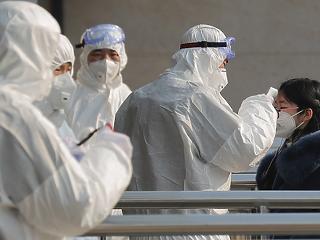 Korai volt az öröm Kínában, megint nő a fertőzöttek napi száma