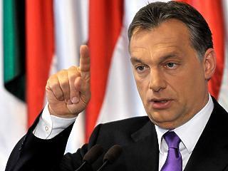 Orbán meghajlítaná a valóságot