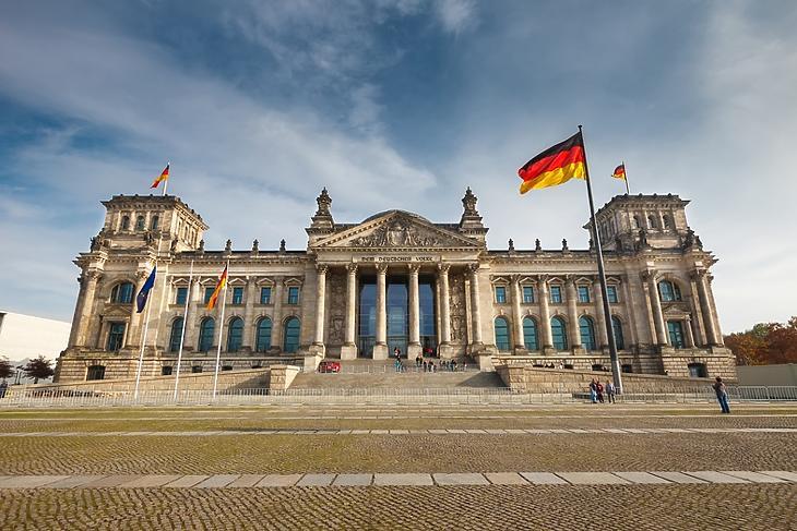 A német törvényhozás, a Bundestag épülete Berlinben. (Depositphotos)