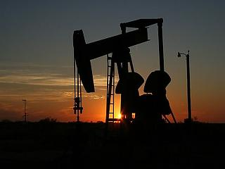 Kúszik lefele az olajár – mi lesz jövőre?