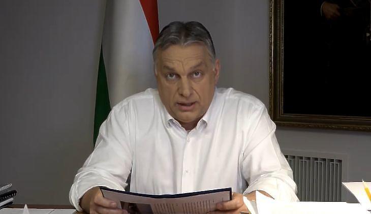 Orbán Viktor egy korábbi bejelentés alkalmával (Fotó: facebook)