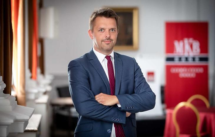 Pleschinger Gyula Márk, az MKB Private Banking igazgatója szerint az a céljuk, hogy az ügyfeleik az igényeiknek leginkább megfelelő szolgáltatásokat kapják. Fotó: MKB