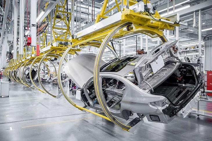 Folytatódik a robotizáció is (forrás: pixabay.com)
