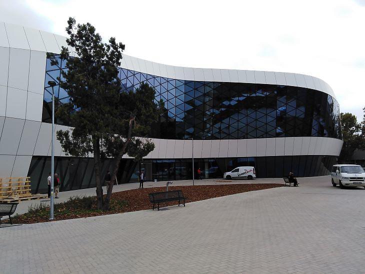 A futurisztikus új fogadóépület a Hungexpon (fotó: Mester Nándor)