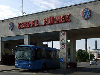 Orosz kéz által veszhet el, oroszok menthetik meg a Csepel Holdingot