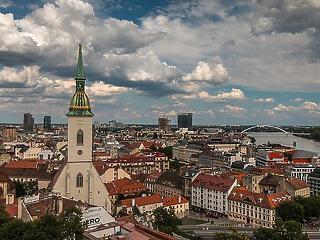 Mintaországból bukott ország: mi csúszott félre a szlovák válságkezelésben?