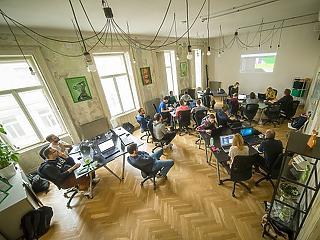 Megéri a programozói átképzés, a fizetés 3-4 év alatt átlépheti az 1 milliót is
