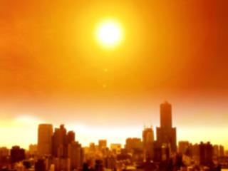 Már májusban 40 fokos lehet a napsütötte aszfalt, több zöldfelület kell a városokba