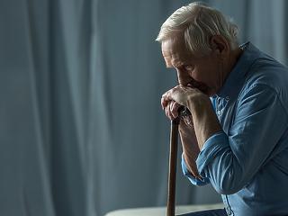 Halálos lehet a karantén az idősotthonok lakóinak