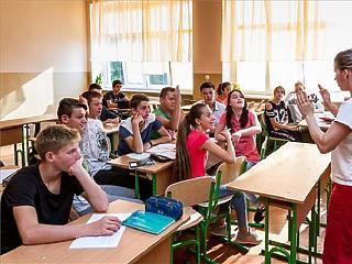 Ezerrel több gyerek jár középiskolába Győrben, mint amennyi hely van